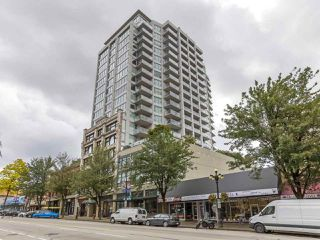 "Photo 15: 1908 668 COLUMBIA Street in New Westminster: Quay Condo for sale in ""Trapp & Holbrook"" : MLS®# R2378796"