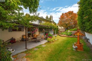 Photo 17: 845 Cecil Blogg Drive in VICTORIA: Co Triangle Single Family Detached for sale (Colwood)  : MLS®# 412175