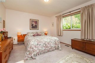 Photo 8: 845 Cecil Blogg Drive in VICTORIA: Co Triangle Single Family Detached for sale (Colwood)  : MLS®# 412175