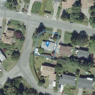 Photo 20: 845 Cecil Blogg Drive in VICTORIA: Co Triangle Single Family Detached for sale (Colwood)  : MLS®# 412175