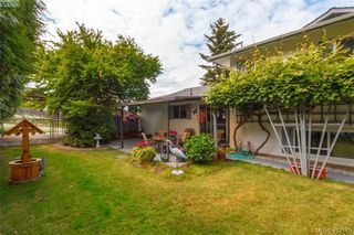 Photo 18: 845 Cecil Blogg Drive in VICTORIA: Co Triangle Single Family Detached for sale (Colwood)  : MLS®# 412175