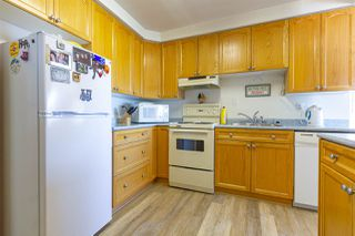 "Photo 9: 201 15070 PROSPECT Avenue: White Rock Condo for sale in ""Los Arcos"" (South Surrey White Rock)  : MLS®# R2379292"