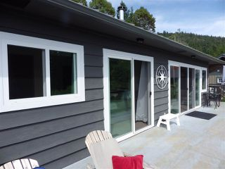 Photo 2: 4988 MARK Way in Pender Harbour: Pender Harbour Egmont House for sale (Sunshine Coast)  : MLS®# R2381122