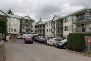 "Main Photo: 302 2678 MCCALLUM Road in Abbotsford: Central Abbotsford Condo for sale in ""PANORAMA TERRACE"" : MLS®# R2381863"