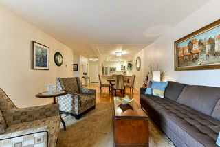 "Photo 12: 103 74 RICHMOND Street in New Westminster: Fraserview NW Condo for sale in ""Governors Court"" : MLS®# R2384201"