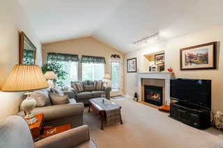 "Photo 4: 1 8888 151 Street in Surrey: Bear Creek Green Timbers Townhouse for sale in ""Carlingwood"" : MLS®# R2387073"
