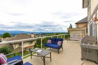 "Photo 11: 588 CLEARWATER Way in Coquitlam: Coquitlam East House for sale in ""RIVER HEIGHTS"" : MLS®# R2392134"