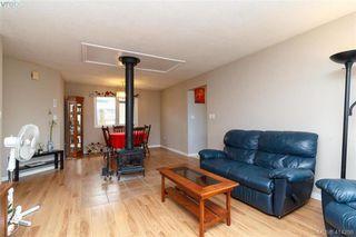 Photo 4: 52 Regina Avenue in VICTORIA: SW Gateway Single Family Detached for sale (Saanich West)  : MLS®# 414298
