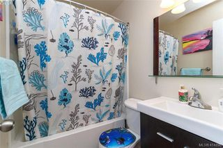 Photo 11: 52 Regina Avenue in VICTORIA: SW Gateway Single Family Detached for sale (Saanich West)  : MLS®# 414298