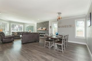 """Photo 3: 6059 187 Street in Surrey: Cloverdale BC House for sale in """"Eaglecrest"""" (Cloverdale)  : MLS®# R2399815"""