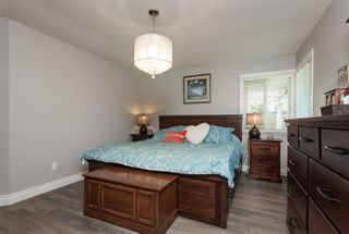 """Photo 10: 6059 187 Street in Surrey: Cloverdale BC House for sale in """"Eaglecrest"""" (Cloverdale)  : MLS®# R2399815"""