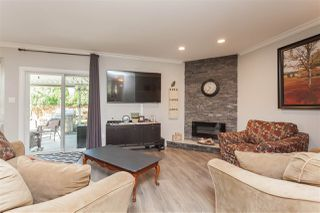 """Photo 9: 6059 187 Street in Surrey: Cloverdale BC House for sale in """"Eaglecrest"""" (Cloverdale)  : MLS®# R2399815"""
