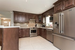 """Photo 6: 6059 187 Street in Surrey: Cloverdale BC House for sale in """"Eaglecrest"""" (Cloverdale)  : MLS®# R2399815"""