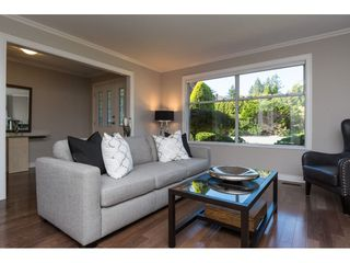 "Photo 3: 15564 VISTA Drive: White Rock House for sale in ""Vista Hills"" (South Surrey White Rock)  : MLS®# R2407067"