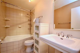 Photo 11: 5515 93A Avenue in Edmonton: Zone 18 House for sale : MLS®# E4174659