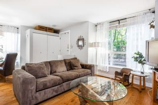 """Photo 3: 1 1075 LYNN VALLEY Road in North Vancouver: Lynn Valley Townhouse for sale in """"RIVER ROCK 2"""" : MLS®# R2427663"""