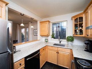 Photo 5: 2209 BALSAM Street in Vancouver: Kitsilano Townhouse for sale (Vancouver West)  : MLS®# R2441675
