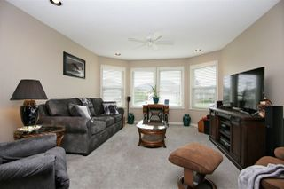 Photo 2: 1506 CANTERBURY Drive: Agassiz House for sale : MLS®# R2443128