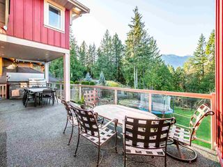 "Photo 17: 1022 JAY Crescent in Squamish: Garibaldi Highlands House for sale in ""Thunderbird Creek"" : MLS®# R2461216"