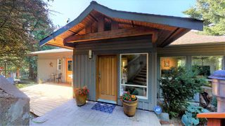 "Main Photo: 40262 SKYLINE Drive in Squamish: Garibaldi Highlands House for sale in ""Garibaldi Estates"" : MLS®# R2494054"