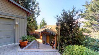 "Photo 2: 40262 SKYLINE Drive in Squamish: Garibaldi Highlands House for sale in ""Garibaldi Estates"" : MLS®# R2494054"