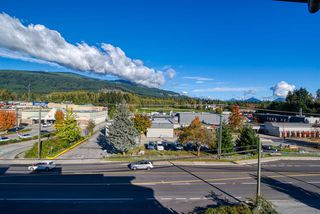 """Photo 22: 404 875 GIBSONS Way in Gibsons: Gibsons & Area Condo for sale in """"Soames Place"""" (Sunshine Coast)  : MLS®# R2511351"""