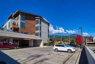 """Photo 20: 404 875 GIBSONS Way in Gibsons: Gibsons & Area Condo for sale in """"Soames Place"""" (Sunshine Coast)  : MLS®# R2511351"""
