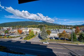 """Photo 25: 404 875 GIBSONS Way in Gibsons: Gibsons & Area Condo for sale in """"Soames Place"""" (Sunshine Coast)  : MLS®# R2511351"""