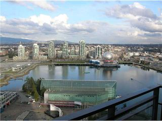 Photo 3: 3101 33 SMITHE Street in Vancouver: False Creek North Condo for sale (Vancouver West)  : MLS®# V876423