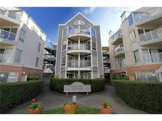 "Photo 1: 213 2010 W 8TH Avenue in Vancouver: Kitsilano Condo for sale in ""AUGUSTINE GARDENS"" (Vancouver West)  : MLS®# V880530"