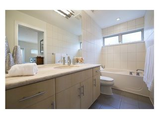 Photo 6: 38 3750 EDGEMONT Boulevard in North Vancouver: Capilano Highlands Condo for sale : MLS®# V999418