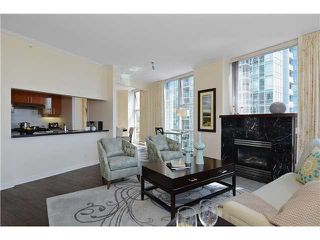 Photo 3: # 901 1099 MARINASIDE CR in Vancouver: Yaletown Condo for sale (Vancouver West)  : MLS®# V1013726