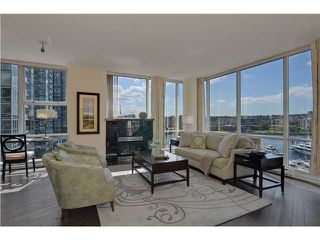 Photo 2: # 901 1099 MARINASIDE CR in Vancouver: Yaletown Condo for sale (Vancouver West)  : MLS®# V1013726