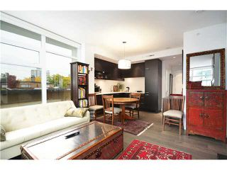 "Photo 2: 401 2550 SPRUCE Street in Vancouver: Fairview VW Condo for sale in ""SPRUCE"" (Vancouver West)  : MLS®# V1032685"