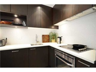 "Photo 8: 401 2550 SPRUCE Street in Vancouver: Fairview VW Condo for sale in ""SPRUCE"" (Vancouver West)  : MLS®# V1032685"