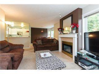 Photo 6: 204 971 McKenzie Ave in VICTORIA: SE Quadra Condo for sale (Saanich East)  : MLS®# 707820