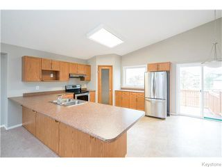 Photo 6: 27 Goldfinch Way in WINNIPEG: Fort Garry / Whyte Ridge / St Norbert Residential for sale (South Winnipeg)  : MLS®# 1522022