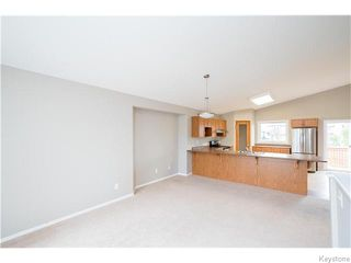 Photo 3: 27 Goldfinch Way in WINNIPEG: Fort Garry / Whyte Ridge / St Norbert Residential for sale (South Winnipeg)  : MLS®# 1522022