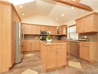 Photo 9: 671 Kelly Road in VICTORIA: Co Hatley Park Single Family Detached for sale (Colwood)  : MLS®# 362690