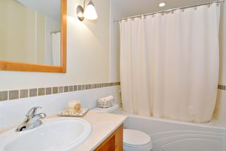 "Photo 9: 212 15392 16A Avenue in Surrey: King George Corridor Condo for sale in ""Ocean Bay Villas"" (South Surrey White Rock)  : MLS®# R2061489"