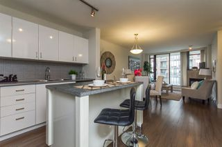 Photo 4: 903 175 W 1ST Street in North Vancouver: Lower Lonsdale Condo for sale : MLS®# R2083368