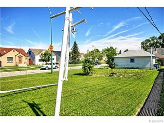 Photo 19: 633 Church Avenue in Winnipeg: North End Residential for sale (North West Winnipeg)  : MLS®# 1617324