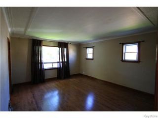 Photo 2: 633 Church Avenue in Winnipeg: North End Residential for sale (North West Winnipeg)  : MLS®# 1617324