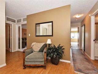Photo 2: 206 1875 Lansdowne Rd in VICTORIA: SE Camosun Condo for sale (Saanich East)  : MLS®# 742470