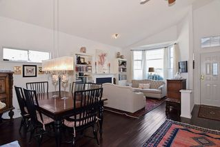 """Photo 5: 151 9012 WALNUT GROVE Drive in Langley: Walnut Grove Townhouse for sale in """"Queen Anne"""" : MLS®# R2110332"""