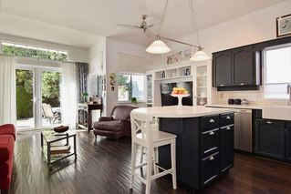 """Photo 11: 151 9012 WALNUT GROVE Drive in Langley: Walnut Grove Townhouse for sale in """"Queen Anne"""" : MLS®# R2110332"""