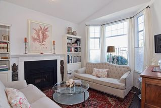 """Photo 4: 151 9012 WALNUT GROVE Drive in Langley: Walnut Grove Townhouse for sale in """"Queen Anne"""" : MLS®# R2110332"""