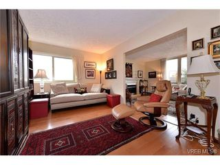 Photo 7: 301 1148 Goodwin St in VICTORIA: OB South Oak Bay Condo Apartment for sale (Oak Bay)  : MLS®# 743461