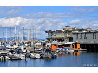 Photo 18: 301 1148 Goodwin St in VICTORIA: OB South Oak Bay Condo Apartment for sale (Oak Bay)  : MLS®# 743461