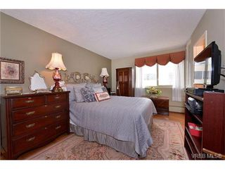 Photo 10: 301 1148 Goodwin St in VICTORIA: OB South Oak Bay Condo Apartment for sale (Oak Bay)  : MLS®# 743461